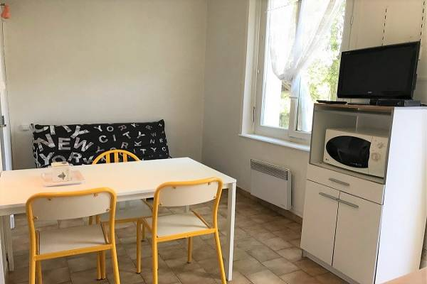 Photo Appartement en rez de jardin à 20 mètres des Thermes St ROCH à la ROCHE-POSAY
