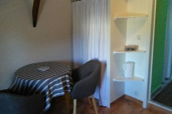 Photo T1 dans le centre de Jonzac à 550 € les 3 semaines