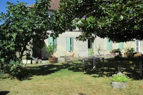 Photo Gite à 2 km des thermes de Jonzac avec jardin et parking