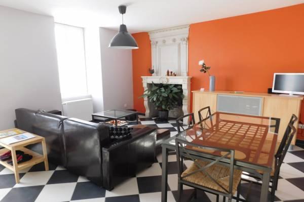 Photo Gîte 2 chambres dans maison charentaise typique - Jonzac et cure thermale 4 km