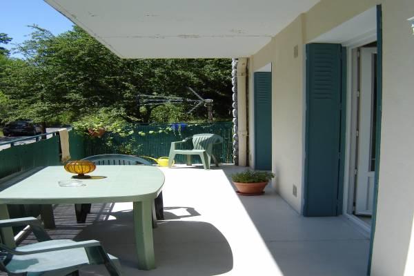 Photo T2 dans cadre calme et boisé à Capvern les Bains avec grande terrasse orientée au sud