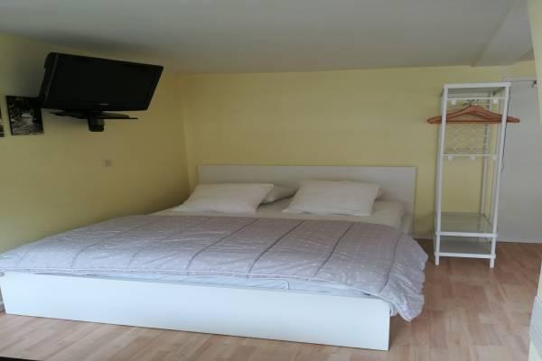 Photo Studio Chaleureux belle vue sur Cauterets avec coin nuit et vrai lit en 140