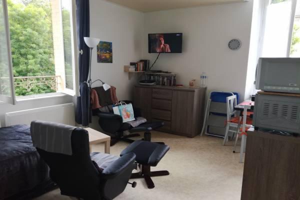 Photo Studio lumineux et confortable de 23 M2 à 300m des thermes de Vittel