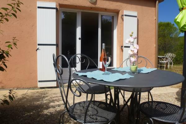 Photo Studio au calme dans maison avec terrasse proche des thermes de Lamalou les Bains