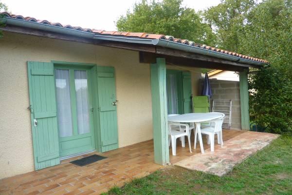 Photo 2 pièces à Barbotan avec terrasse, parking et piscine