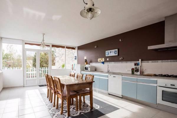Photo 3 pièces en duplex de 140 m² avec terrasse à 850 mètres des thermes de Rochefort