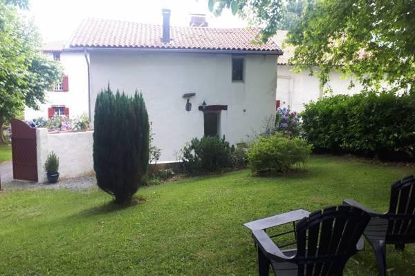 Photo Gite avec 2 chambres à Hasparren, 10 minutes de Cambo - PO