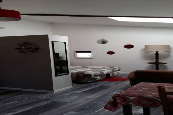 Photo Studio climatisé à Saujon proche des thermes - A côté