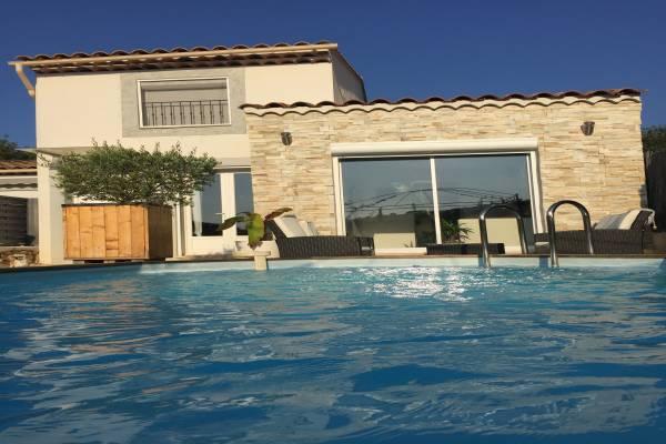 Photo Villa 80m2 climatisée avec piscine privée Gréoux-les-Bains avec 2 chambres
