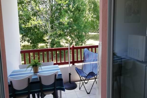 Photo Beau T2 classé 3* proche des thermes de Cambo avec piscine et terrasse