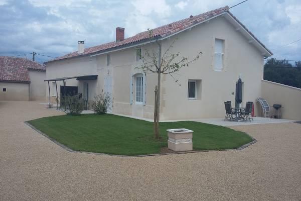 Photo Grand appartement de 100 m2 avec 2 chambres, grande terrasse et parking