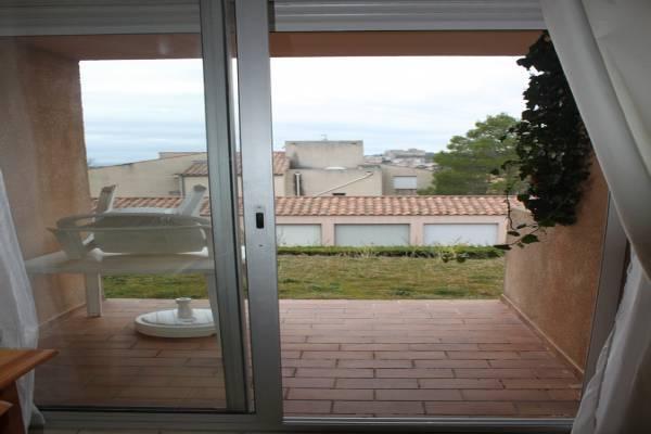 Photo studio ideal curiste à Gréoux-les-Bains en rez-de-jardin