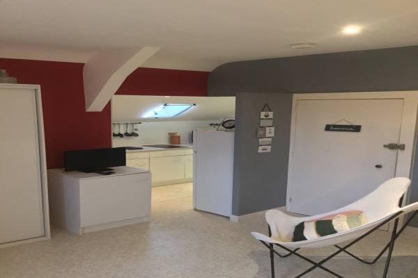 Photo Studio spacieux et apaisant à 3 km du centre thermal de Néris les Bains