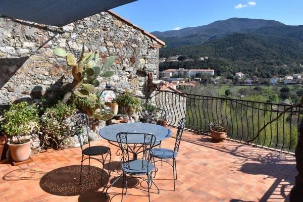 Photo Charmante maison de village à Amélie-les-Bains avec terrasse de 28 m2 et 2 chambres