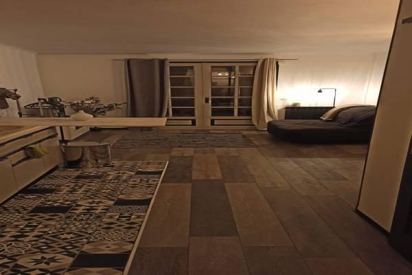 Photo Studio chaleureux avec terrasse au pied du Château de Gréoux les Bains