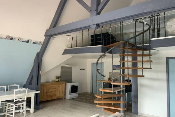 Photo Immense appartement atypique de 80 m2 avec mezzanine et balcon - Dax -