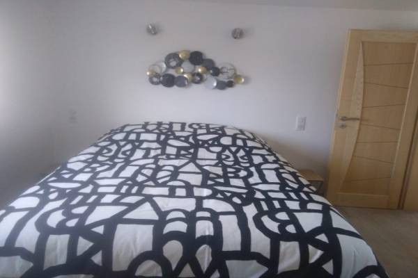 Photo Appartement de 40 m2 à 750 mètres des thermes de Contrex, au 1ER ETAGE - ME