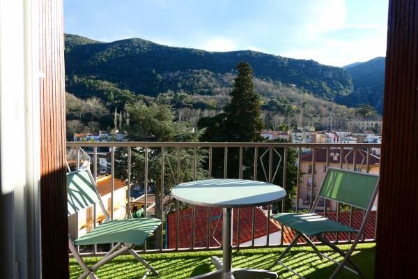 Photo Grand 2 pièces avec 2 balcons et garage proche des thermes d'Amélie-les-Bains