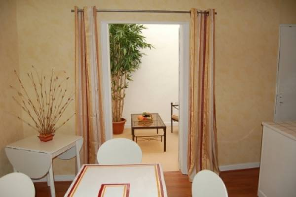 Photo Studio pour curistes à Bagnères de Bigorre - Patinoire -