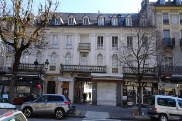 Photo Bagnères de Luchon plein centre, T4 meublé de 72m2 6 places à 350 m des Thermes